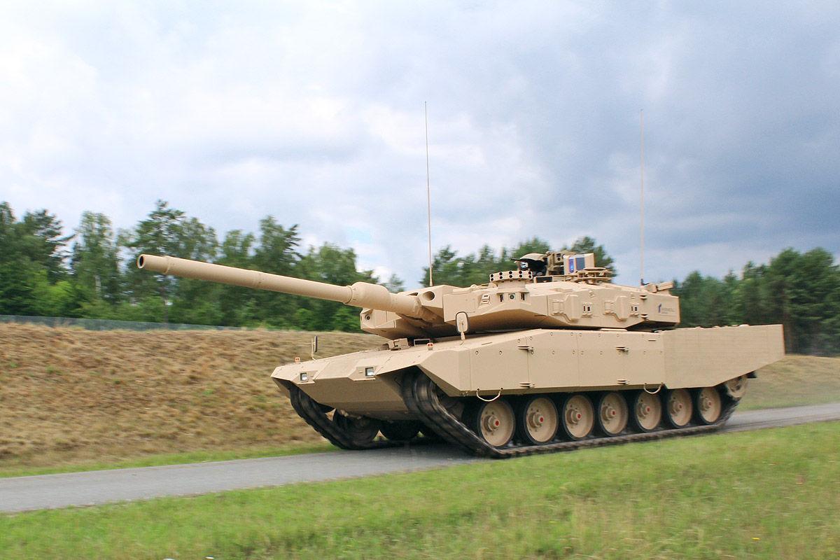 Leopard MBT 1/2 - Page 7 MBT-Revolution-22