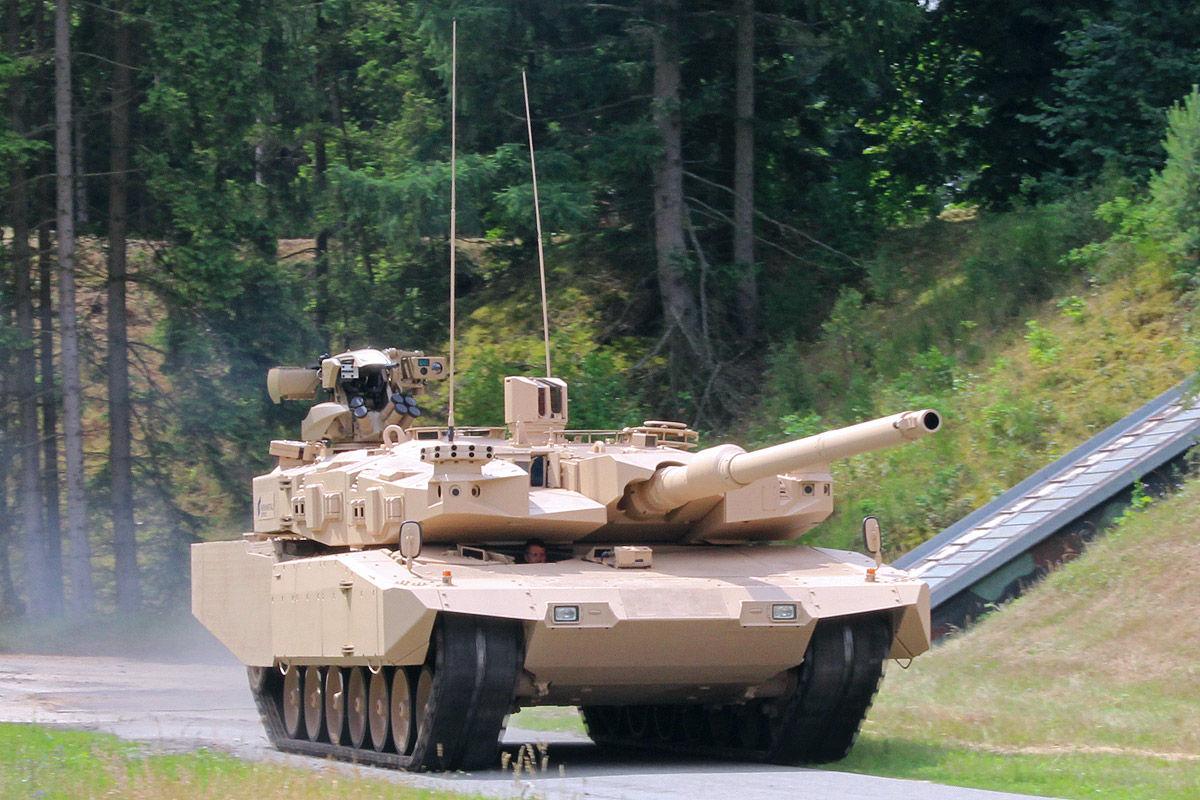 Leopard MBT 1/2 - Page 7 MBT-Revolution-4
